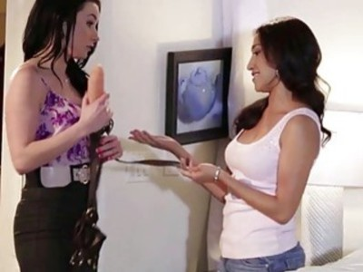 Veruca James fucks roommate Vicki Chase with her strapon