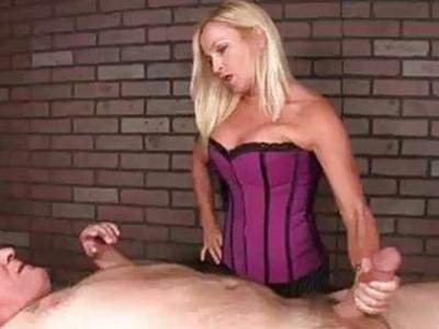 She Hates Massaging Perverted Guys Like These