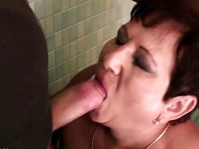 BBW mature slut gets fucked in a public restroom