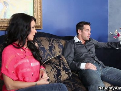 Brunette hottie Tiffany Mynx has a quickie with a slender dude