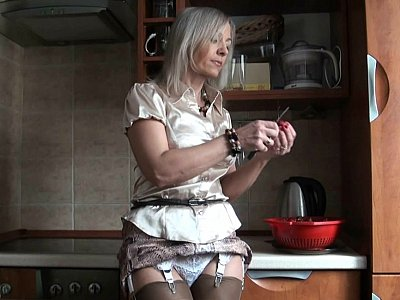 Kinky in the kitchen