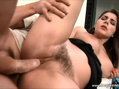 Hairy Italian babe gets dicked by her hung boy toy