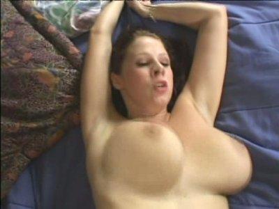 Beautiful foxy Gianna Michaels gives a deepthroat blowjob