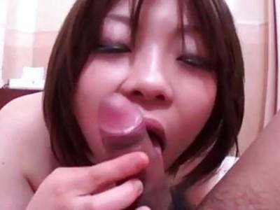 Makoto Kurosaki curvy ass milf gets pumped hard