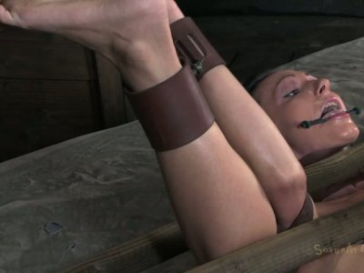 Immobilized tied slut Wenona gets banged missionary tough on the bunk bed