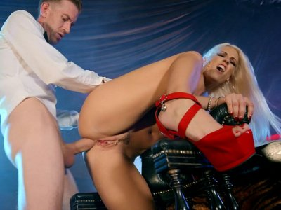 Blonde Blanche Bradburry in sexy high heels gets assfucked