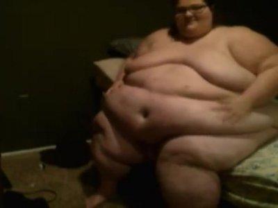 Massive Hog Gets Too Fat To Fuck