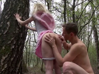 Assfuck in the woods